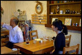 稲本シェフと小玉経営支援員との会談